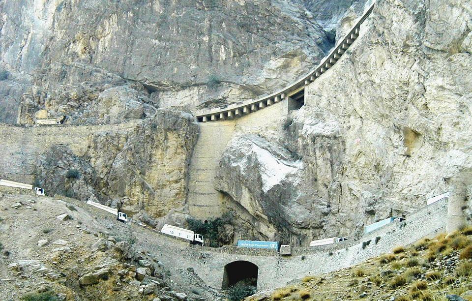 jalalabad-kabul-road-afghanistan-strada-pericolosa