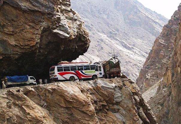 karakoram-highway-pakistan-strada-pericolosa