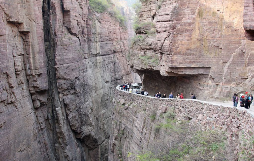 tunnel-di-guoliang-cina-starada-pericolosa